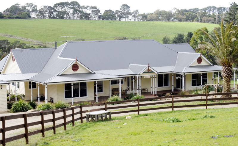 1 Ferny Hill Merricks Traditional Farm Houses of Australia Custom Design.jpg